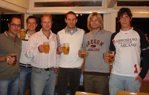 Marcel Kaufmann, Tilman Weiss, Bastian Bippus und Markus Jauker, (kniend) Michael Wolf, Thomas Missel und Heiko Gnan Bild Schwarzwälder Bote